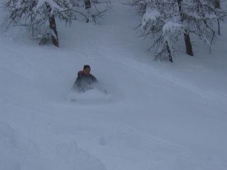 Discesa in un metro di neve fresca