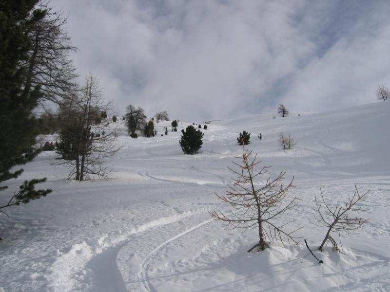 Bella neve sui pendii del Giassez