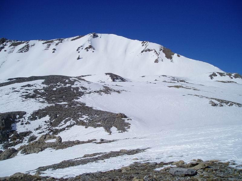 Punta Lauzin durante la salita al Colle