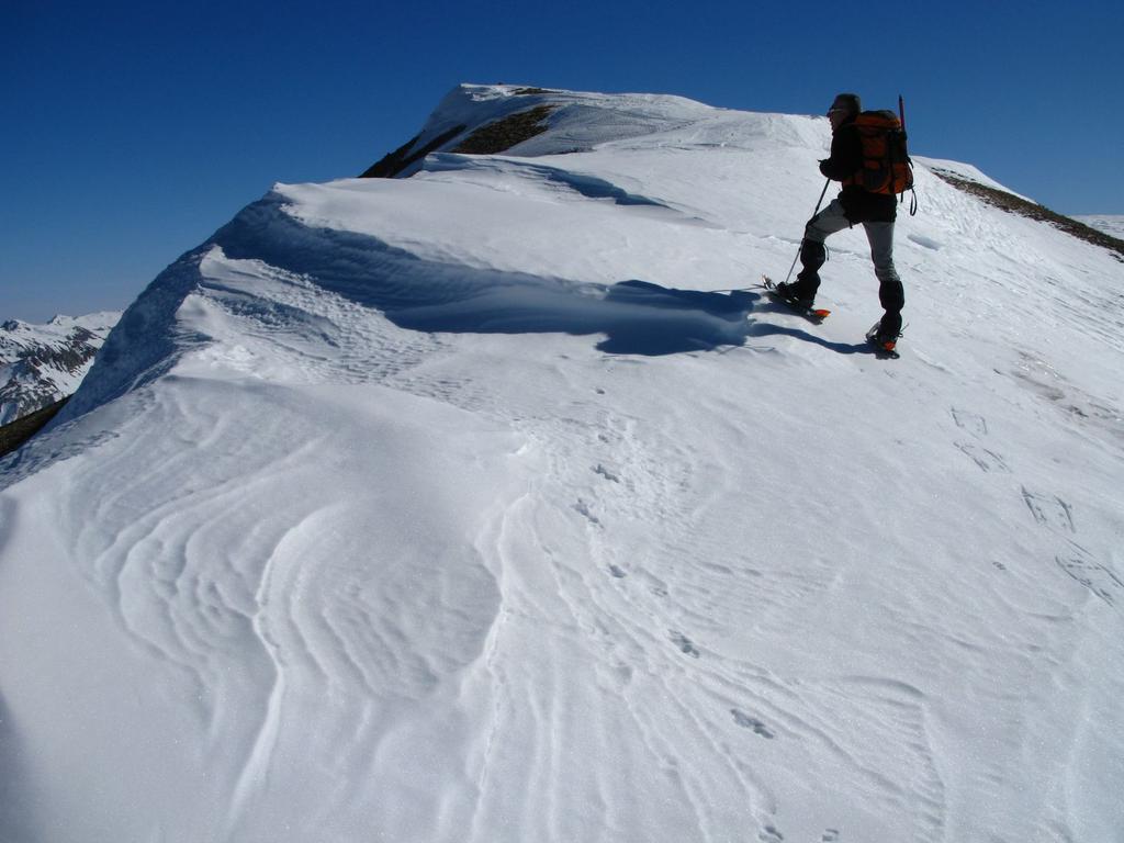 Roberto sale al Monte Bodoira lungo la cresta Nord-Est (17-2-2008)