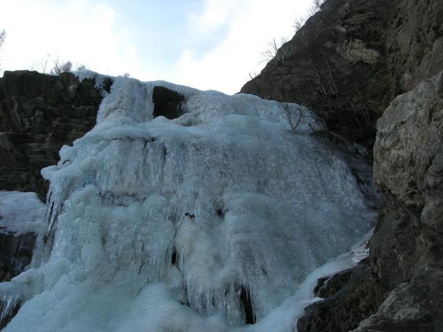 Nomenon (Cascata) o Bligny 2008-02-17