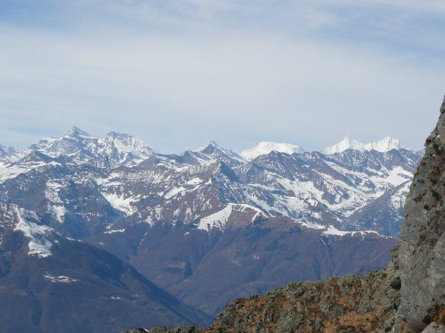 Uno sguardo verso la Svizzera.