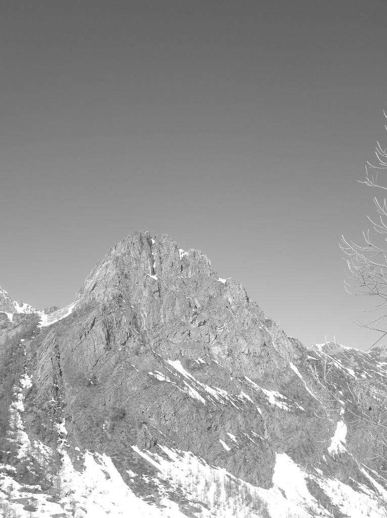 Le montagne intorno