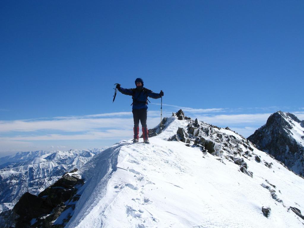Stelvio sulla cresta sommitale in vista della vetta ! (16-3-2008)