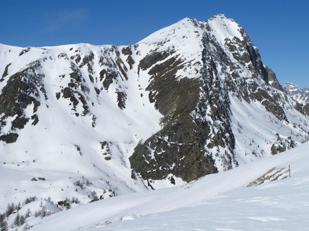 il Monte La Bianca m. 2746 visto dal Colle d'Esischie (25-3-2008)