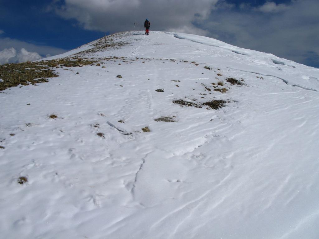 Davide raggiunge la vetta della Punta Sibolet m. 2582 (25-3-2008)