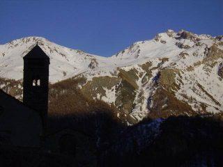 Sul campanile L'Alpet , a dx la spalla della Pointe Basse de Mary