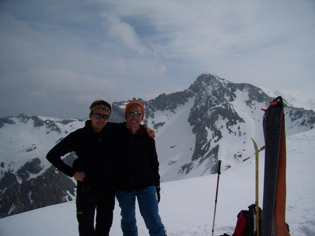 Io e Giovanni in vetta alla Cassin, sullo sfondo il Cassorso