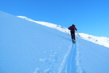 Ripido traverso   I   Un travers raide   I   A steep traverse   I   Steile Traverse   I   Empinada travesía
