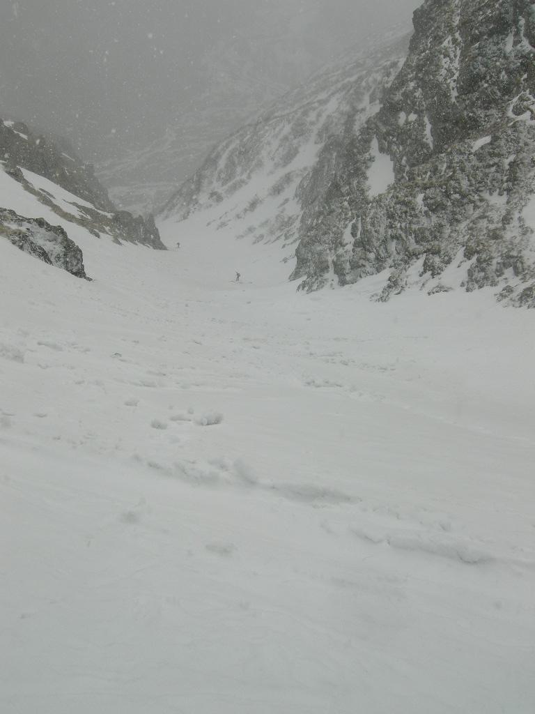 Nel canale sotto la nevicata