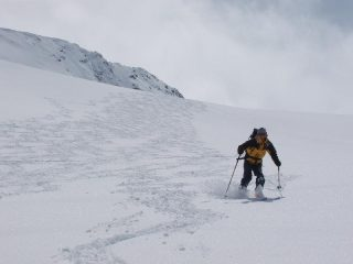 Babi in azione sulla polvere del ghiacciaio