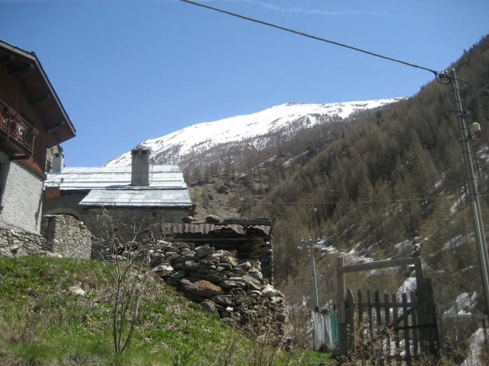 la montagna fotografata dall'abitato di Rochemolles