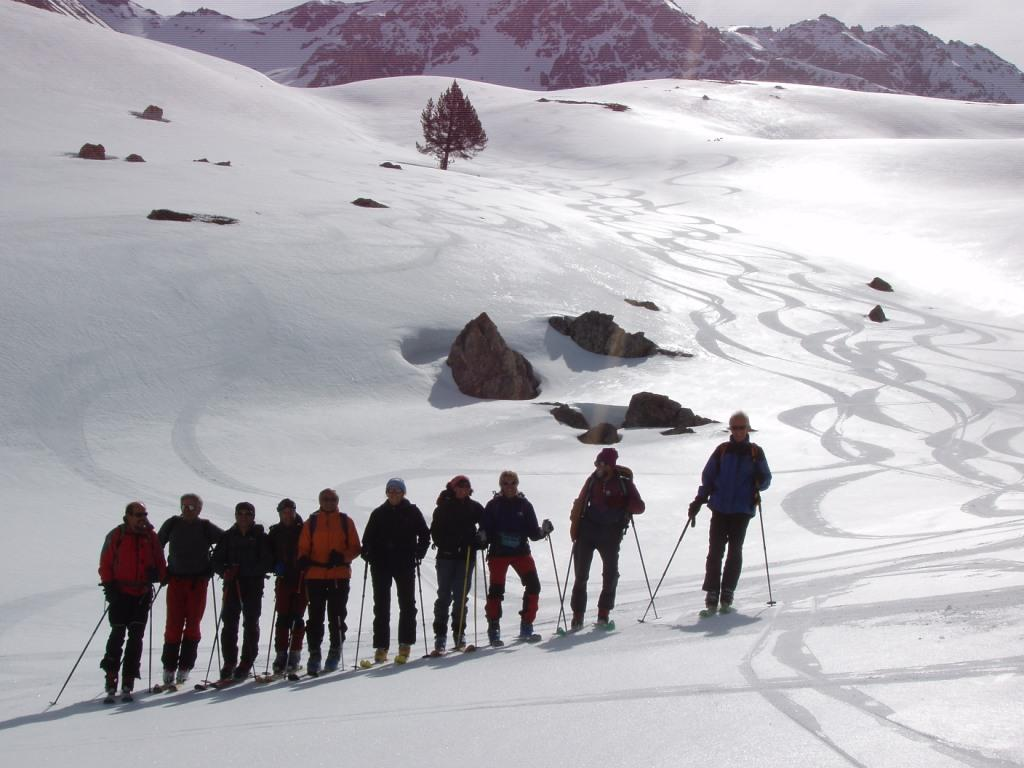 Gruppo in discesa dal Col des Trois Freres Mineurs