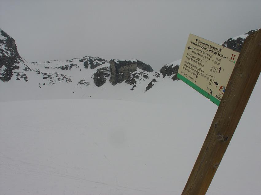 I colletti da passare sulla bastionata a fianco del Pic du Diable