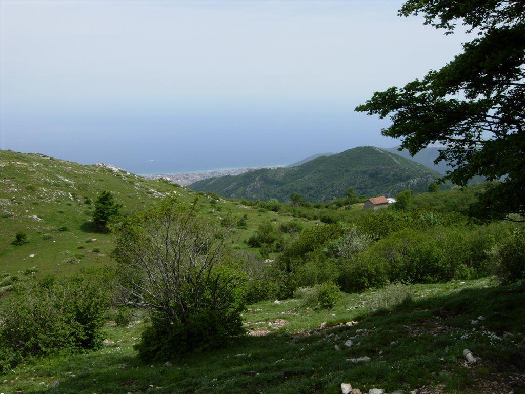 panorama con il rifugetto e il mare