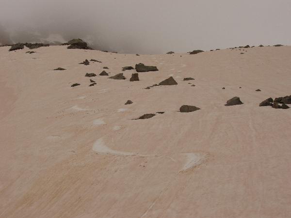 Gran sciata tra neve e sabbia