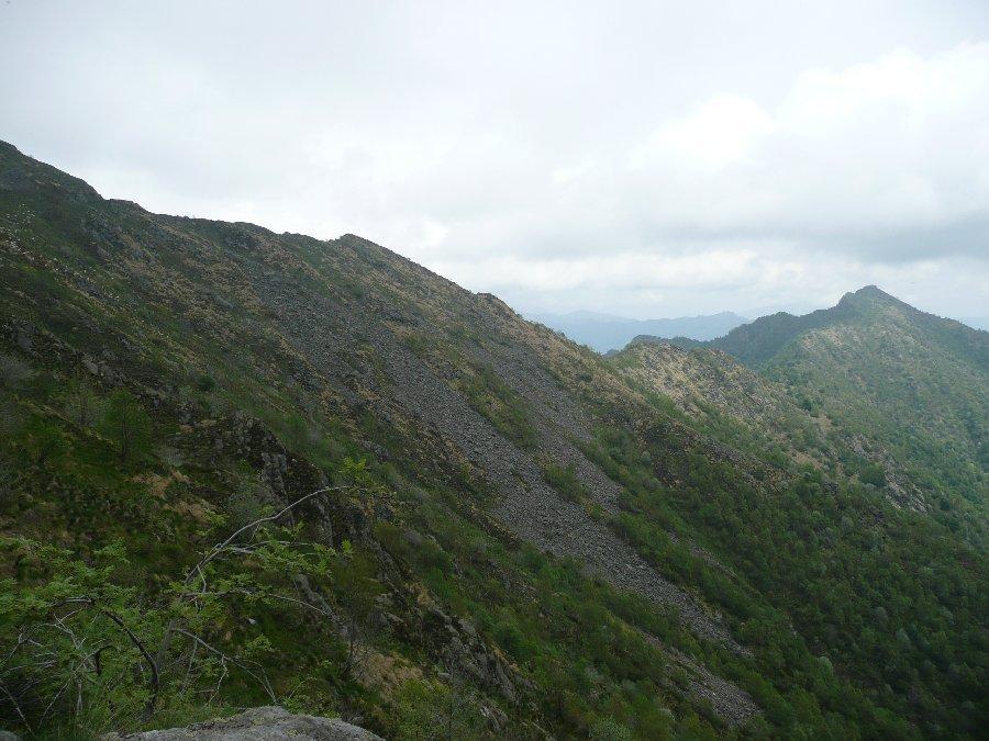 Dalle pendici del Gavala verso l'Ovaga.