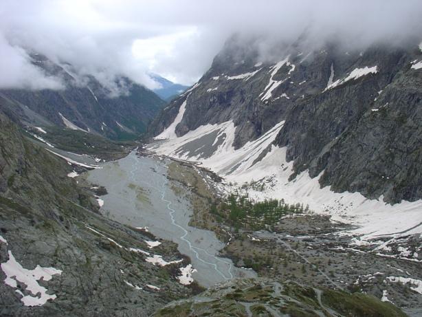 la valle di ailfroide dal bivio per i ghiacciai