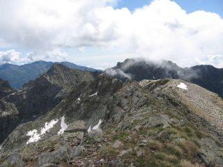Panorama verso est, dalla vetta del Vailet
