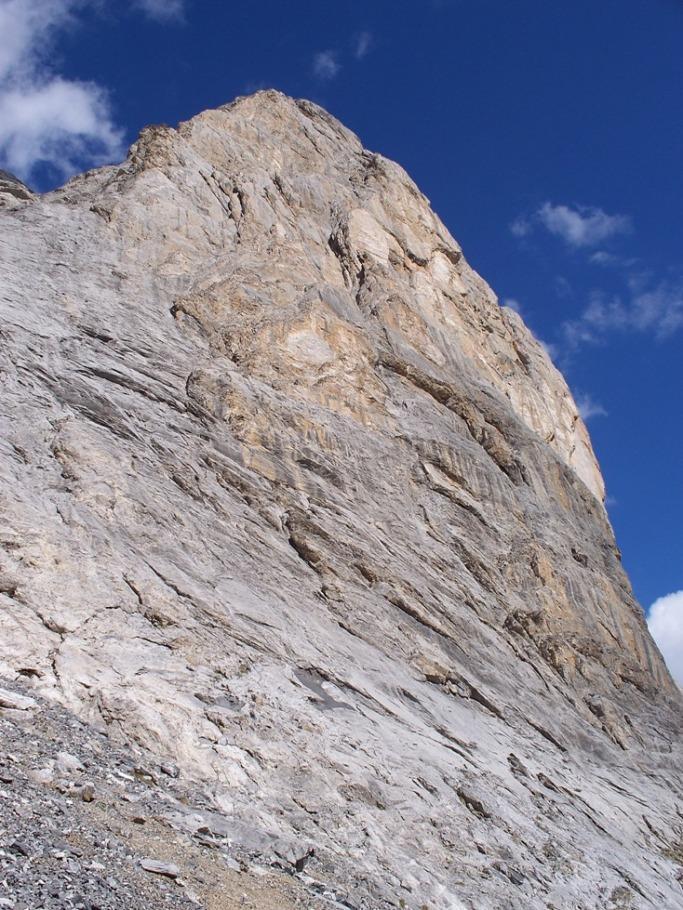 La parte superiore della parete