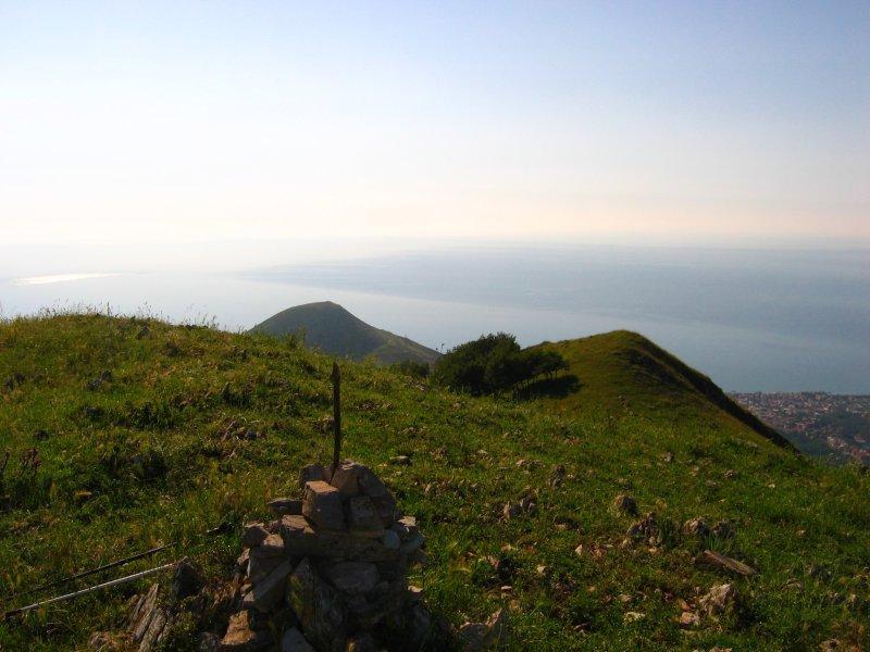 Dalla vetta del Monte Acuto verso il mare