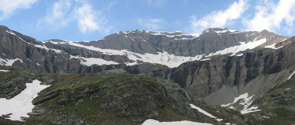 Anfiteatro nevoso per il Col Basei