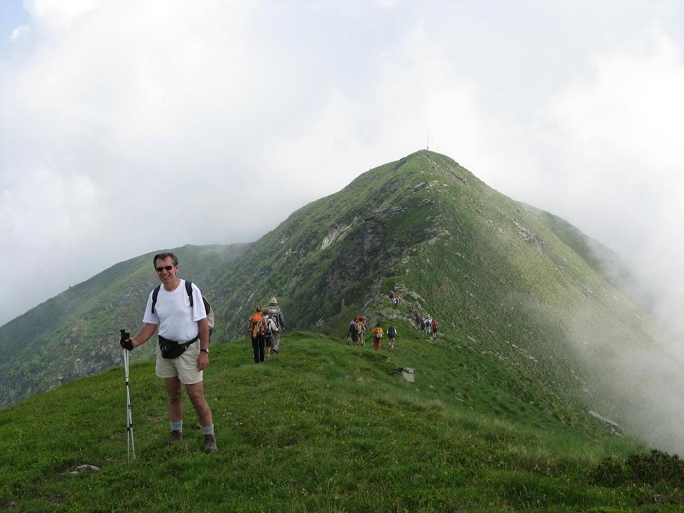 BENGIA con sullo sfondo il Monte Angioino