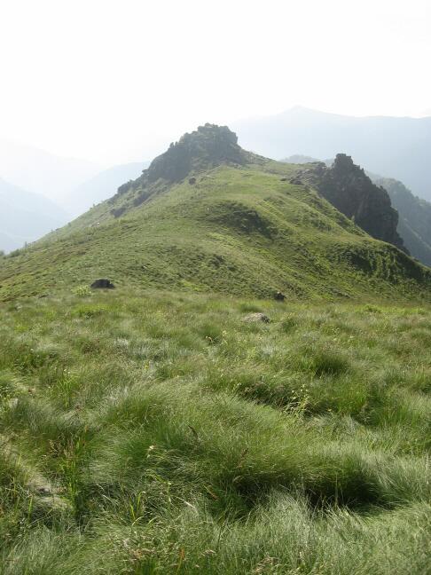 Il crinale finale fra il Roc delle Teste e la punta Busiera, visto dalla punta stessa.