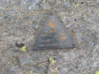 Il triangolino di vetta del CAI di Rivarolo Canavese