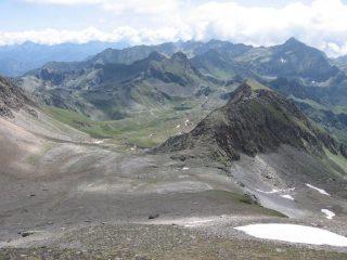 Vista sul Vallone della Reale o Paradis 'dla Real, con lago sullo sfondo