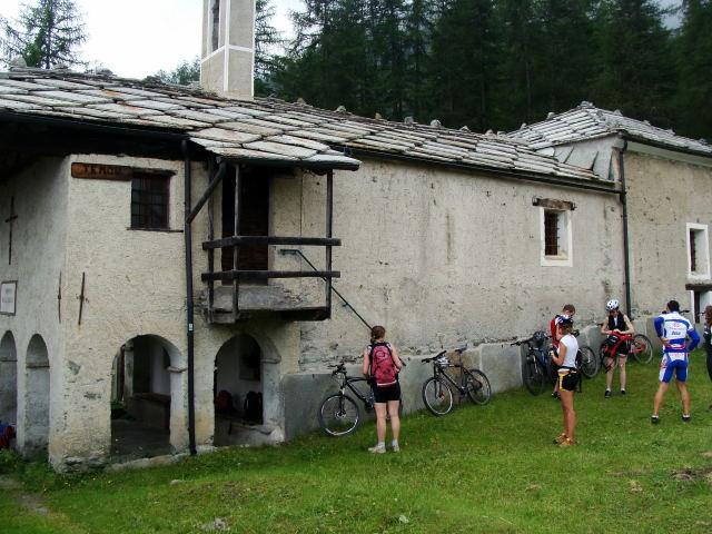La chiesetta di Tenou