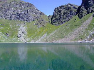 Colle e lago di Brenguez