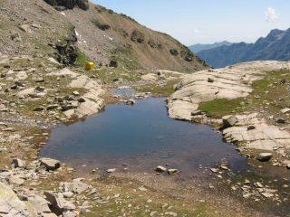 Il Lago della Piatta ed il Bivacco Giraudo