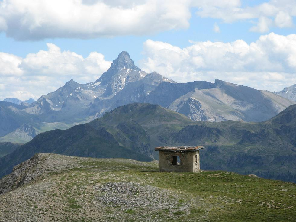 la costruzione situata nei pressi del Col des Trois