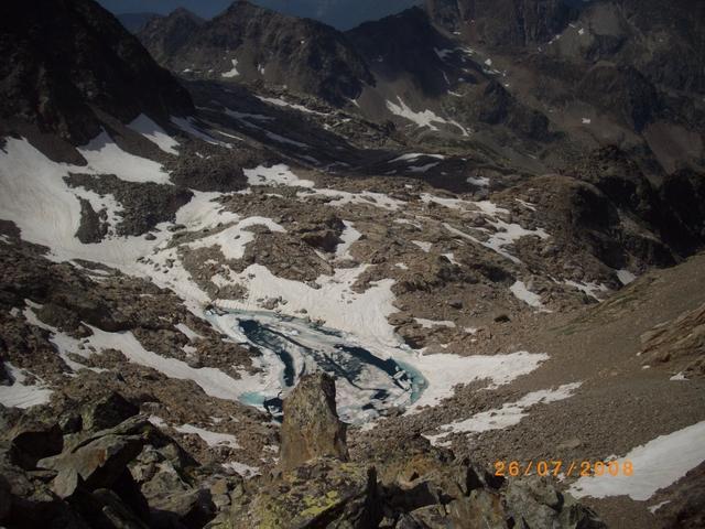 il lago di Nasta fatica a liberarsi da ghiaccio e neve