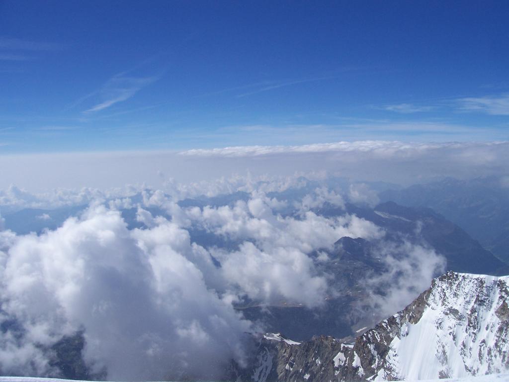 mare di nuvole dalla cima