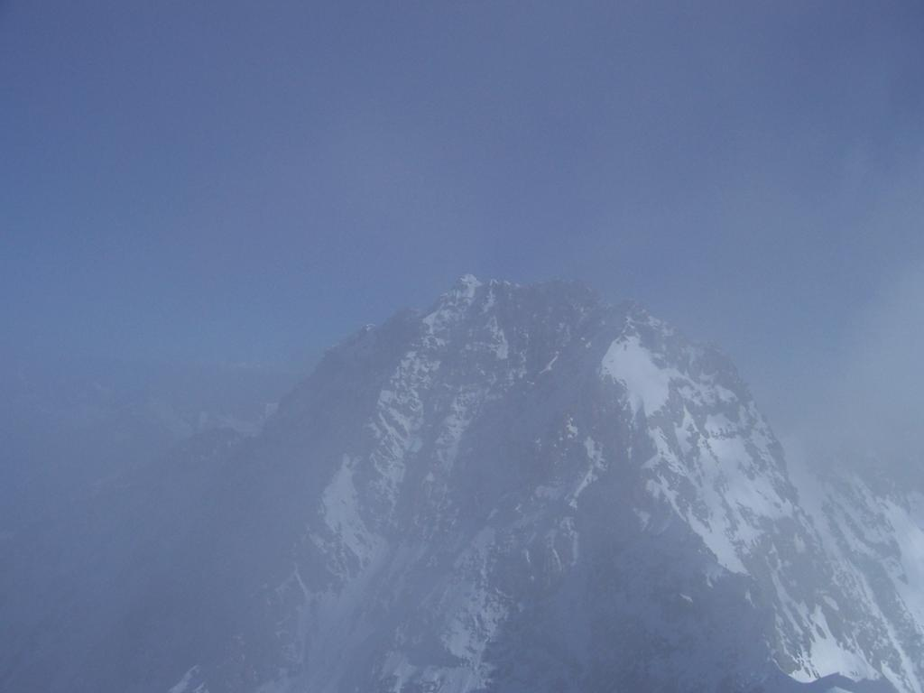 la dufour tra le nebbie-nuvole