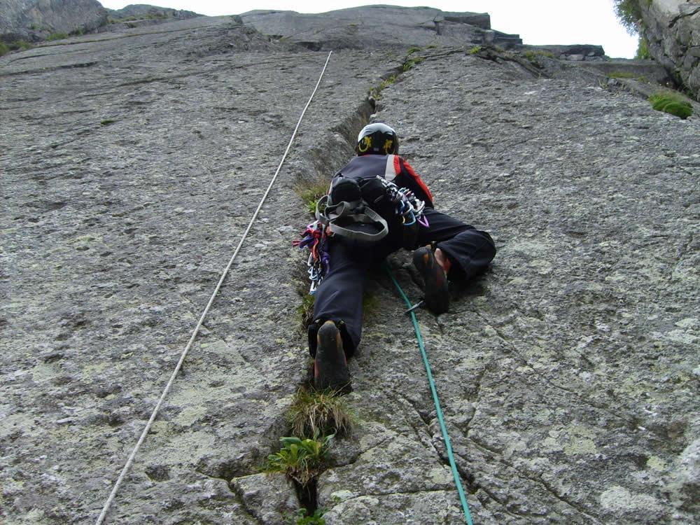 Conca di Tredenus – Torrione Nord di Cima Vaga Il risveglio del lama 2008-08-01