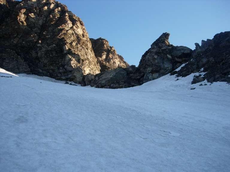 Il Col d'Amianthe dai nevai sottostanti
