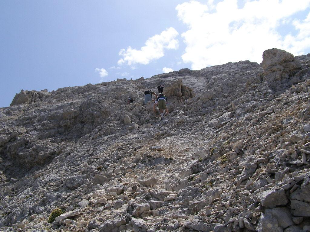 La via di salita, a pochi passi dalla cima