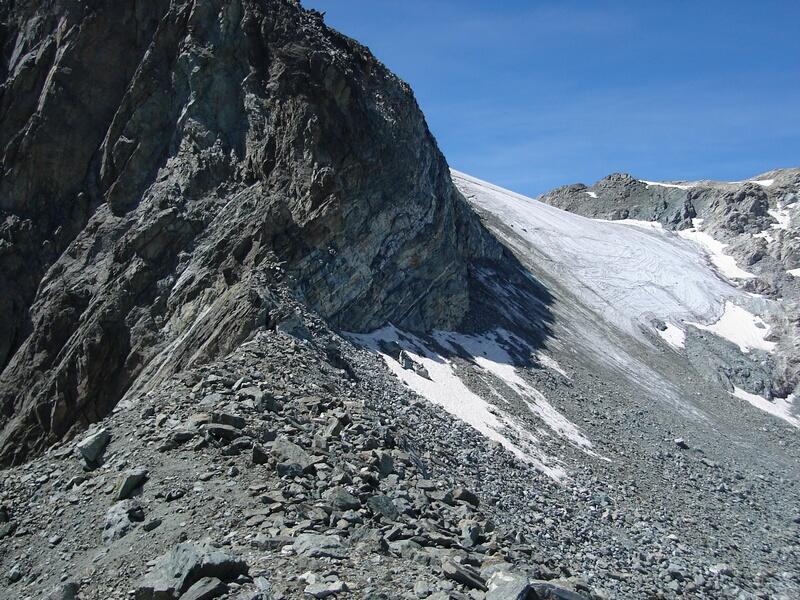 Il col del Mont Gelè visto dal colle