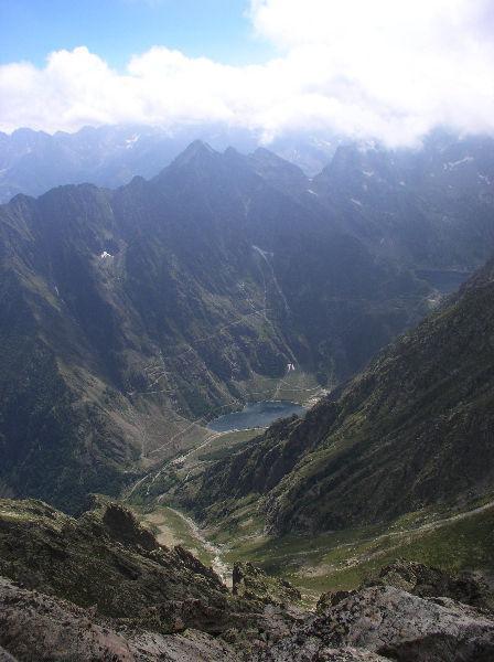 il vallone del Laitus risalito dal lago della rovina