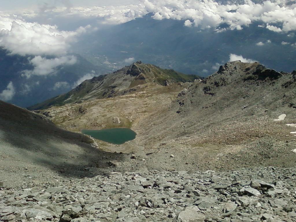 Il lago vicino al Rifugio, salendo in cima al Giusalet