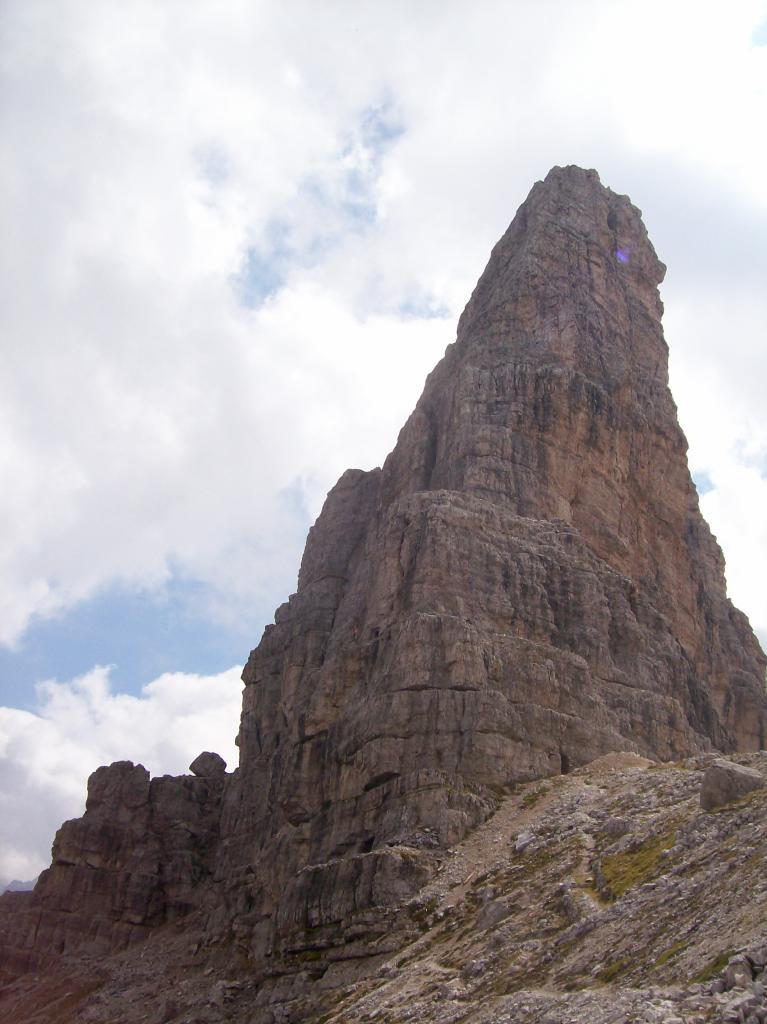 Torre di Toblin e le vecchie scale alpine