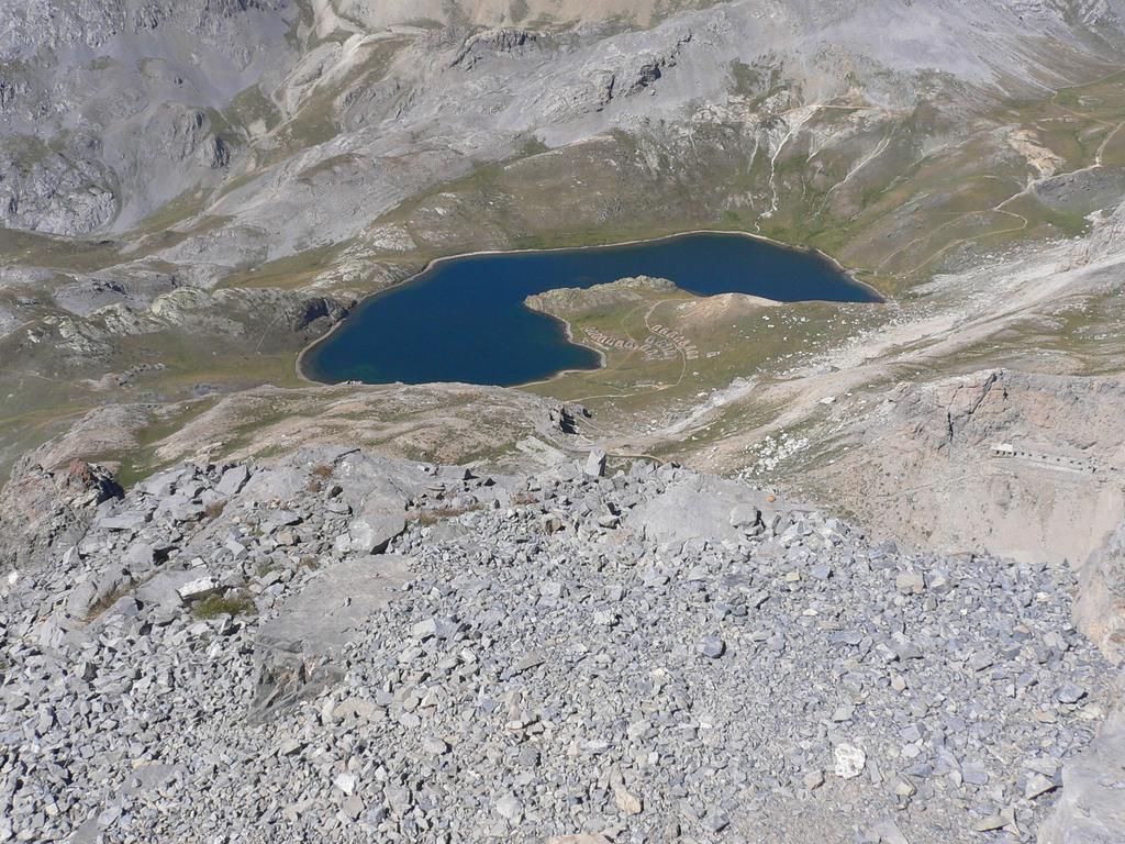 lago 9 colori dalla cima del brec de chambeyron
