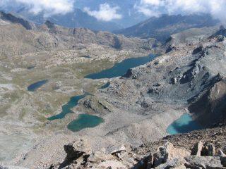 Panorama sui laghi della conca del Mont Avic