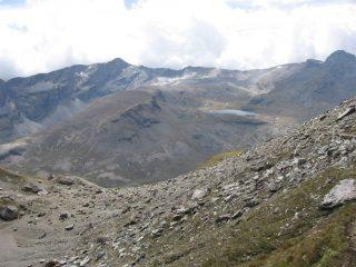 Il Lago Miserin e la Rosa dei Banchi, visti in discesa dai pressi del Col Fussy