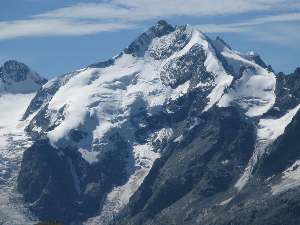 il Pizzo Bernina osservato dalla cima del Piz Languard
