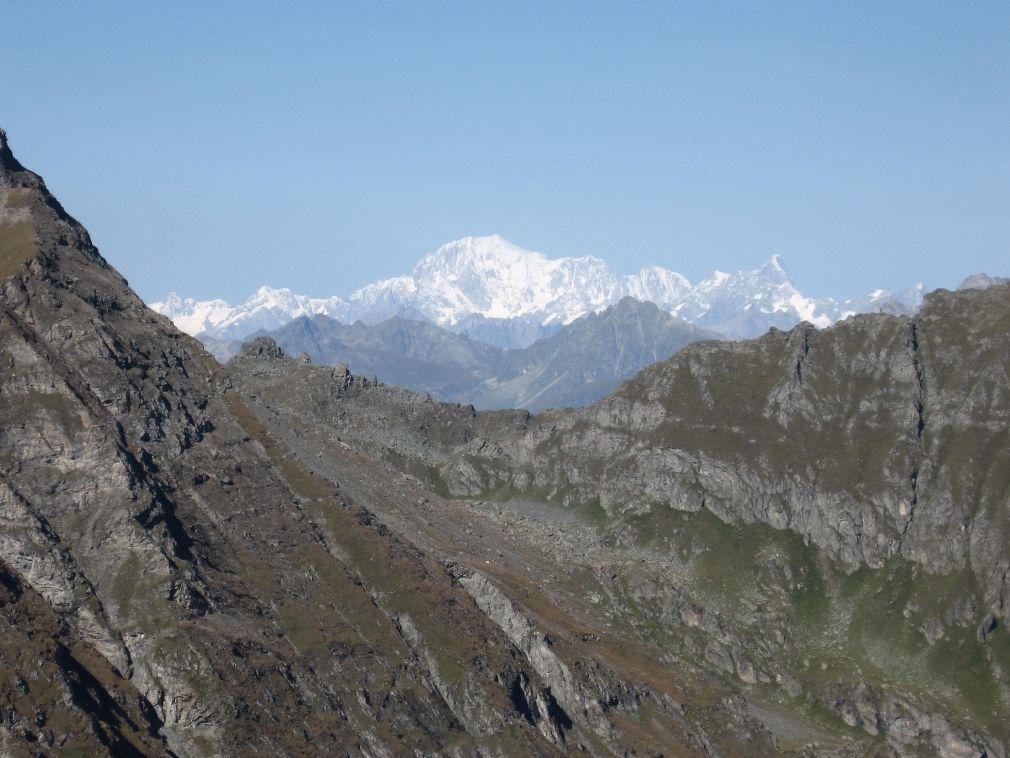 Dal passo, panorama sul Monte Bianco