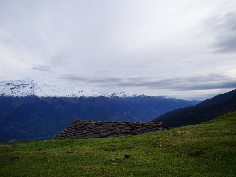Dall'alpe d'Arguel verso la bassa valle...